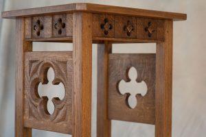 Quartersawn White Oak Credence Table, detail